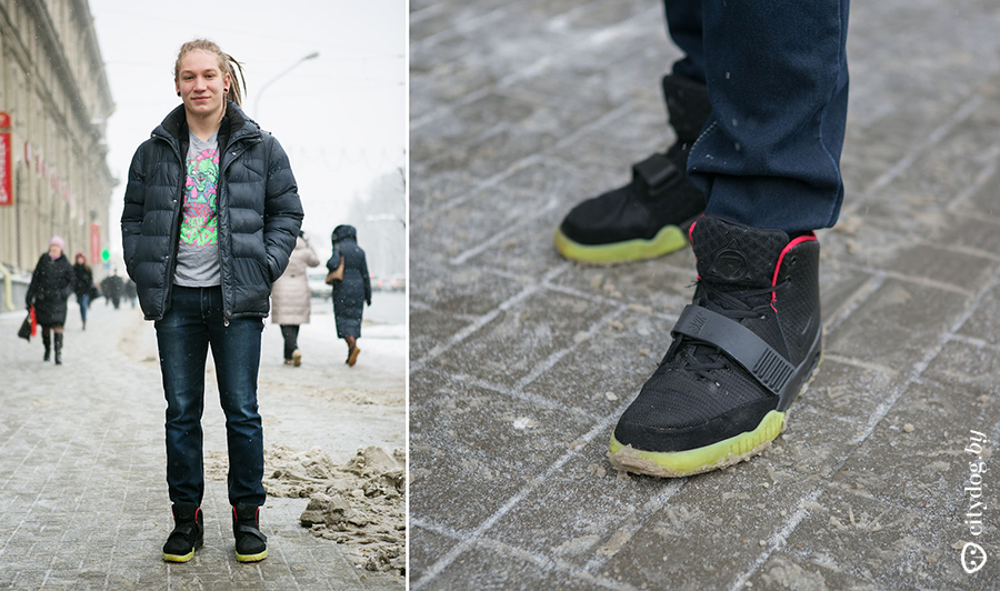 ff73a759 Зимой в кроссовках? Отлично (улыбается). Я их купил в каком-то магазине  недалеко от Комаровки. В них не холодно, но, возможно, это потому, ...