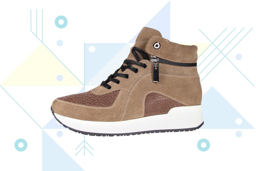 Женские кроссовки-ботинки сделаны из натуральной кожи, а из-за шерстяной  подкладки подойдут и для зимы. 8d1efece3e7