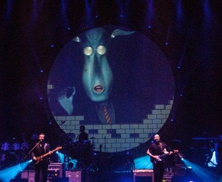 Видеонеделя: как проходило удивительное шоу Brit Floyd в Минске