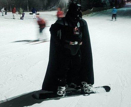 Фотонеделя. Дарт Вейдер катается на сноуборде в Логойске