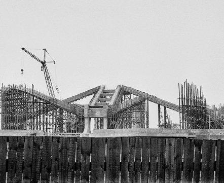 Фотошот: как выглядели известные минские здания, когда их только начинали строить