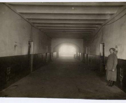 Фотошот: как изнутри выглядела тюрьма на Володарке – вы вряд ли видели эти фото