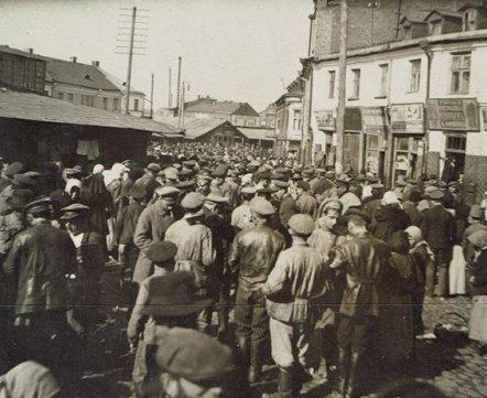 Фотошот: даже не верится – смотрите, каким был рынок на Немиге сто лет назад