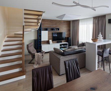 Квартиросъемка: двухуровневая квартира, в которую из подъезда можно попасть с двух этажей