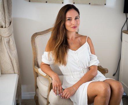 Косметичка: хозяйка шоу-рума о профессиональной косметике, массаже и оливковом масле