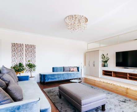 Квартиросъемка: пятикомнатная квартира с картинами, написанными дизайнером