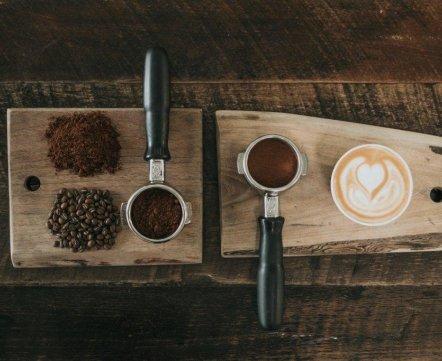Ресторанная хроника: очень дорогой кофе, шаурменная возле ГУМа и кафе со старым Минском