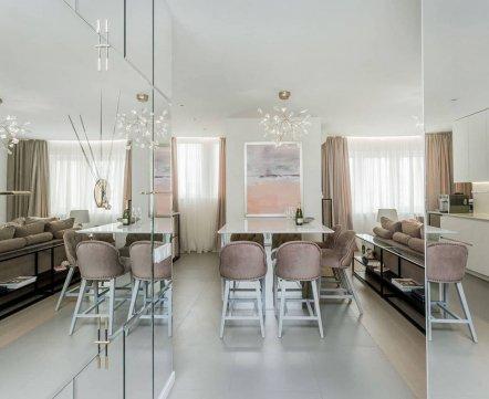 Квартиросъемка. Трехкомнатная дизайнерская квартира, где можно смотреть телевизор, лежа в ванне