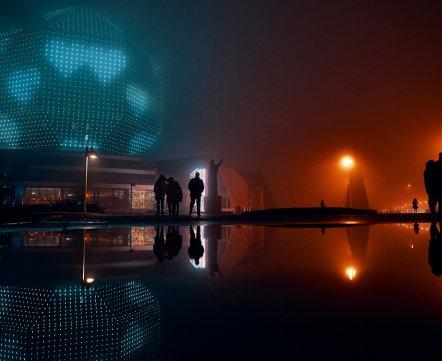 «И почему я раньше этого не видел?» Минский фотограф сделал удивительный фотопроект про вечерний город