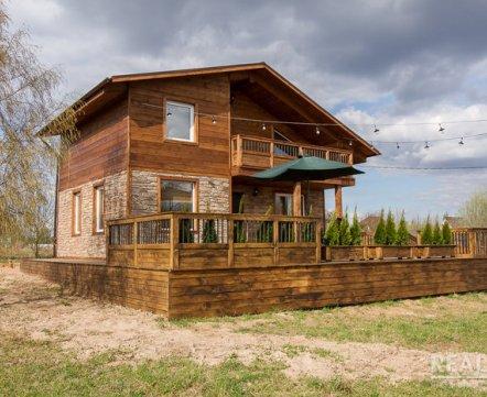 Бассейн и просторные террасы. В 15 км от Минска парень построил неплохой дом и продает (всего за $54 тыс.)