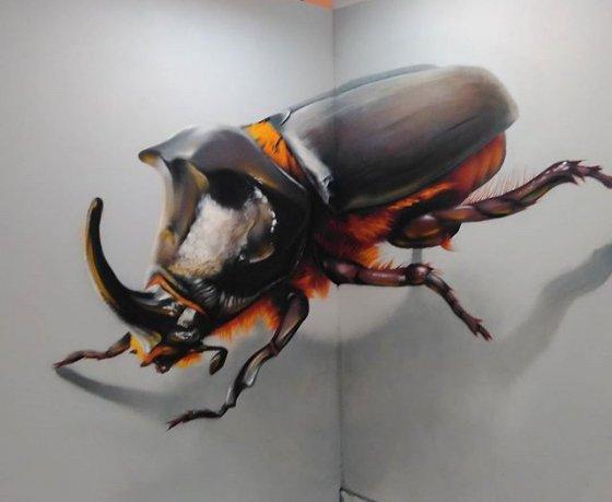 Фотонеделя. Минчане фотографируются в 3D-аттракционе с гигантским драником и русалками