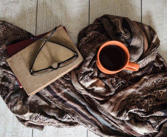 Как нам всем пережить осень – минчане советуют книги, фильмы, музыку и хорошие места