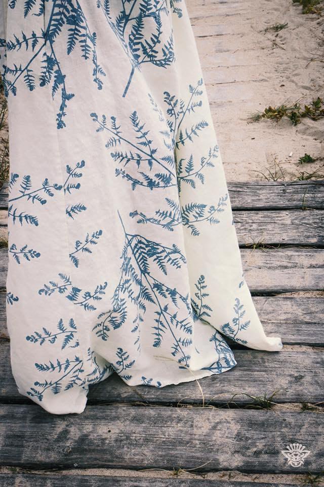 7ecce233554b По словам Анастасии, вдохновение она черпает в белорусской природе, гуляя  по лесам и полям. Цены на платья варьируются в диапазоне от 140 до 220  рублей.