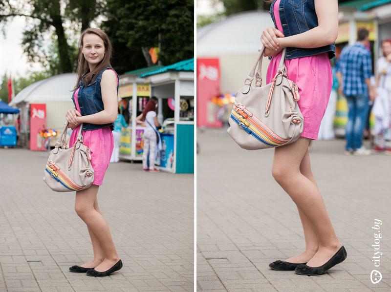 Коротенького платья не хватало чтобы прикрывать трусики 5 фотография