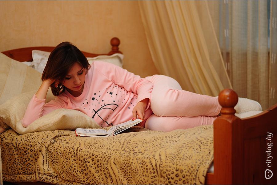 Ню в пижаме