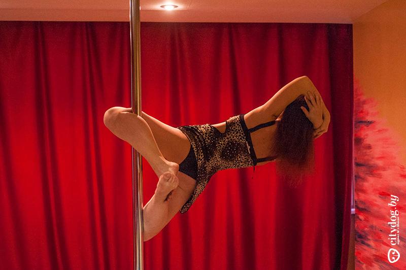 striptiz-dlya-muzha-v-domashnih-usloviyah-sayt-porno-russkoy